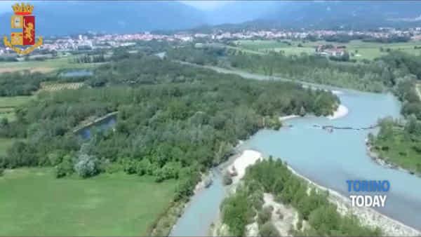 500 persone al rave party illegale vicino al fiume: fuggono tra i campi di grano, arrestati in cinque