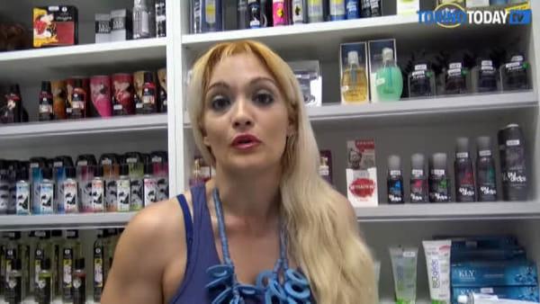 """La pornostar contro la Regione per difendere i sexy-shop: """"Bigotti, anche noi paghiamo le tasse"""""""