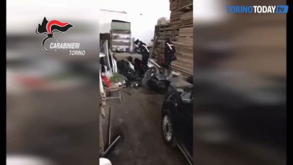 Rubavano automobili per smontarle e rivendere i pezzi: recuperata refurtiva per 200mila euro