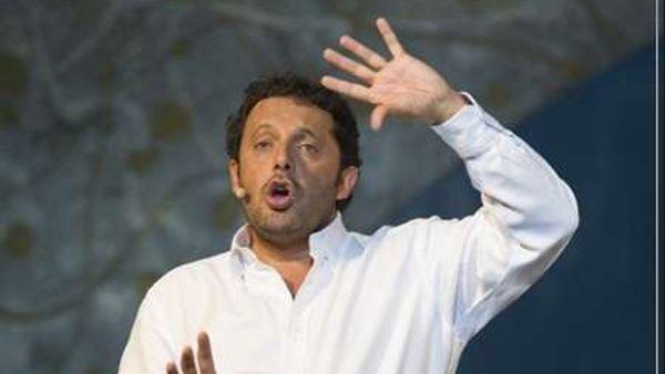 """""""Innamorato perso"""", Enrico Brignano al Pala Alpitour"""