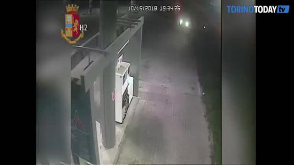Dalle auto blindate destinate alla Questura di Torino ai trattori: in totale 30 colpi, 4 arrestati