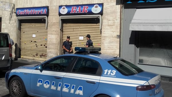 Barriera di Milano: chiuso un bar, arrestati due pusher