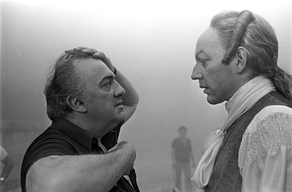 Lo scatto di Bellomo: Fellini e Sutherland sul set di 'Casanova'
