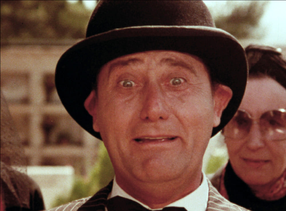 "Alberto Sordi in ""I nuovi mostri"" (1977)"