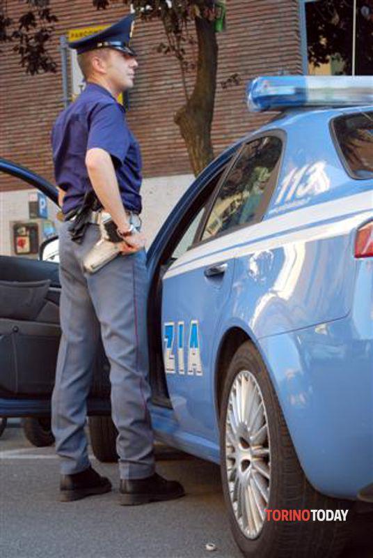 Canavese donna trovata con documenti falsi e permesso di for Polizia di stato carta di soggiorno