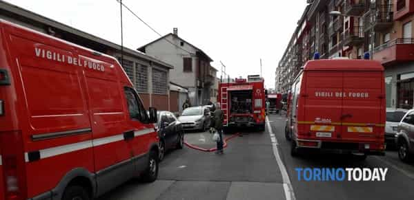 incendio-carrozzeria-via-orbetello-190513-2-2