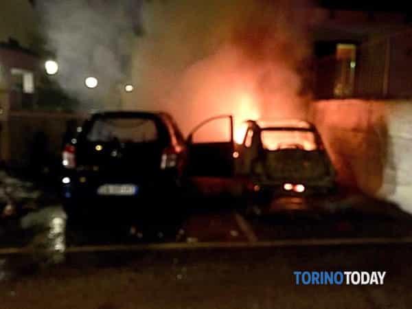 incendio-auto-strada-romana-caselette-190503-2-2