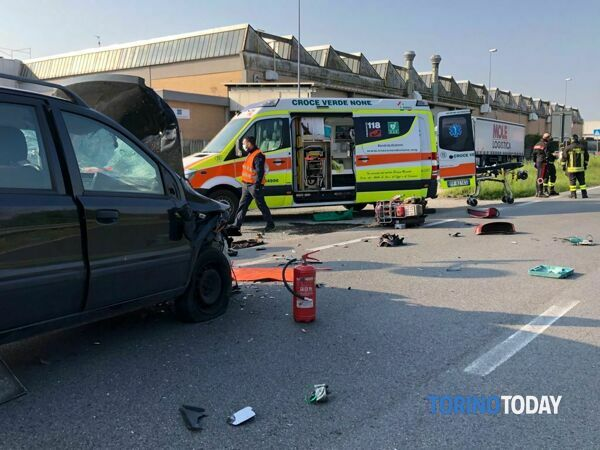 incidente-moto-auto-via-pinerolo-none-210423-1-2