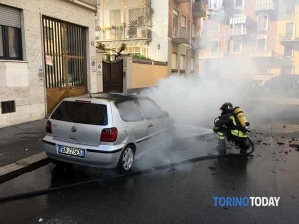 incendio-auto-via-ponderano-190415-2-2