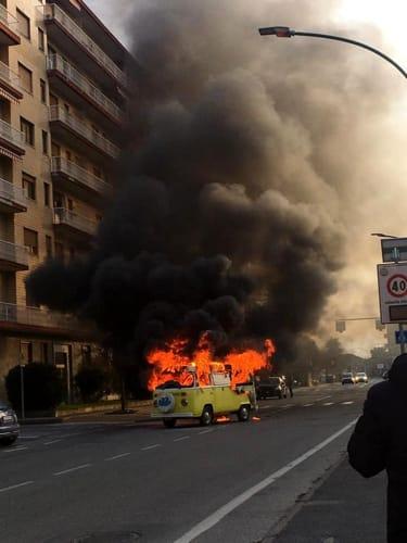 incendio-furgone-strada-volvera-orbassano-200213-1-2
