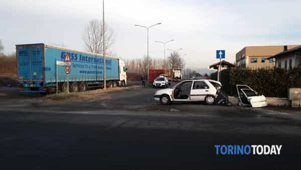 incidente-via-galilei-via-meucci-leini-200122-2-2