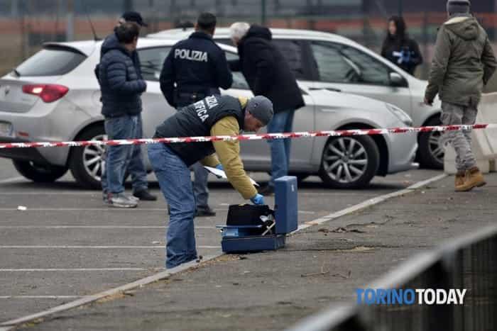 suicidio auto Lingotto 6 febbraio (1)