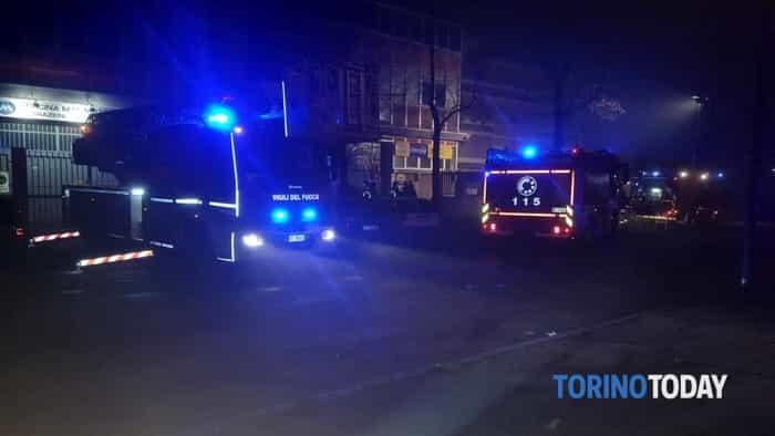 Incendio carrozzeria La Clinica dell'auto Grugliasco  (1)