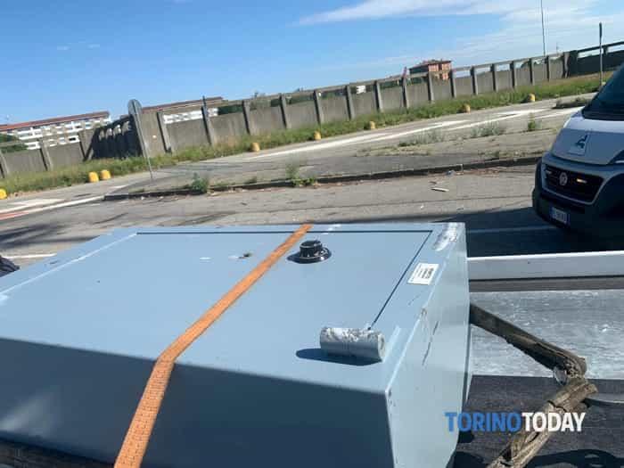Nichelino furgone cassaforte rubati 15 5 19 1