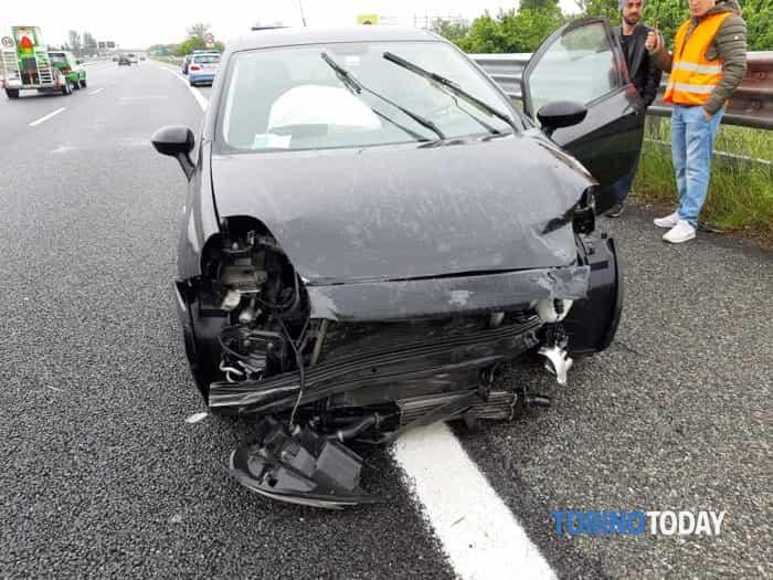 Rivoli Allamano Fiat Punto incidente 18 5 19 1