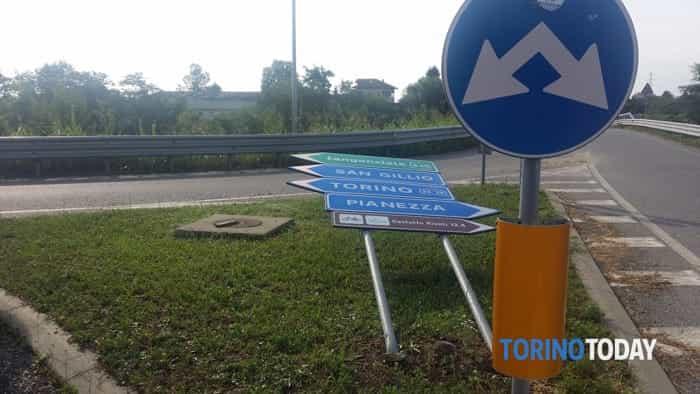 tromba-aria-cartelli-divelti-pianezza-170711-1